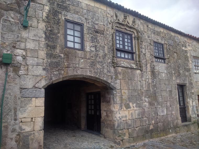 Aldeias-historicas-Portugal-linhares-11