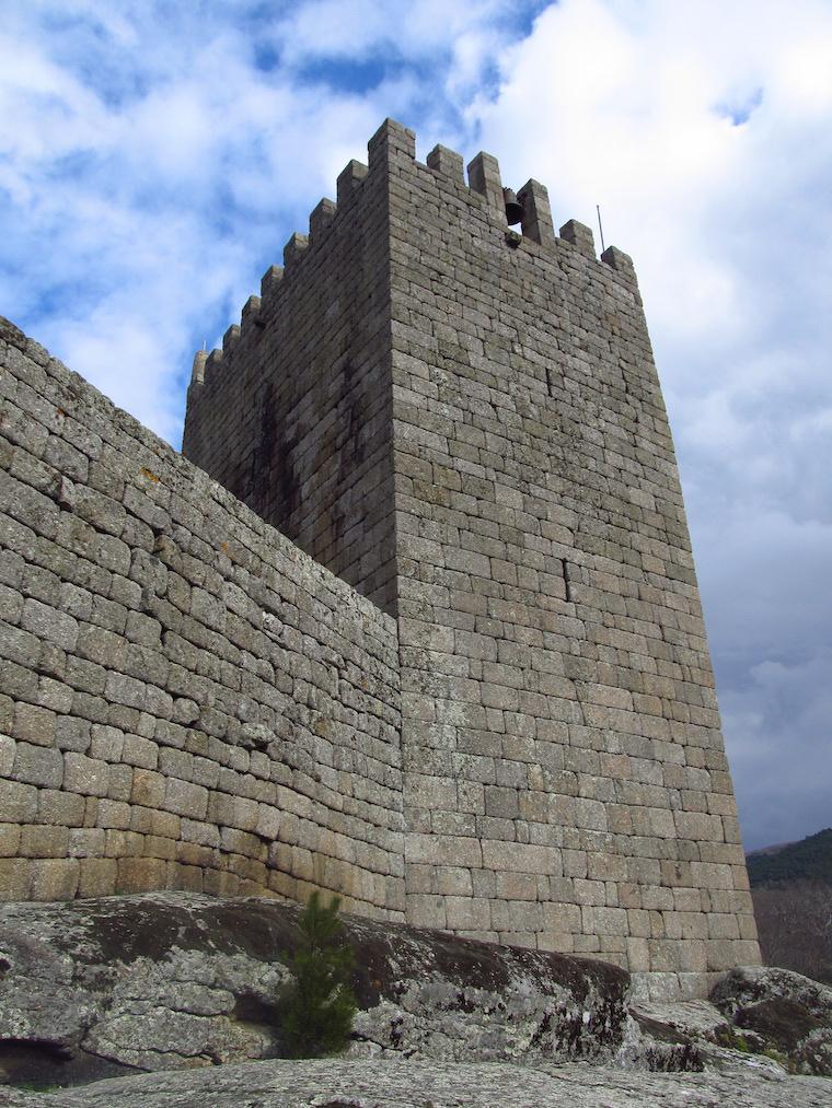 Aldeias-historicas-Portugal-linhares-17
