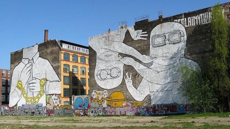 Blu grafitti antes