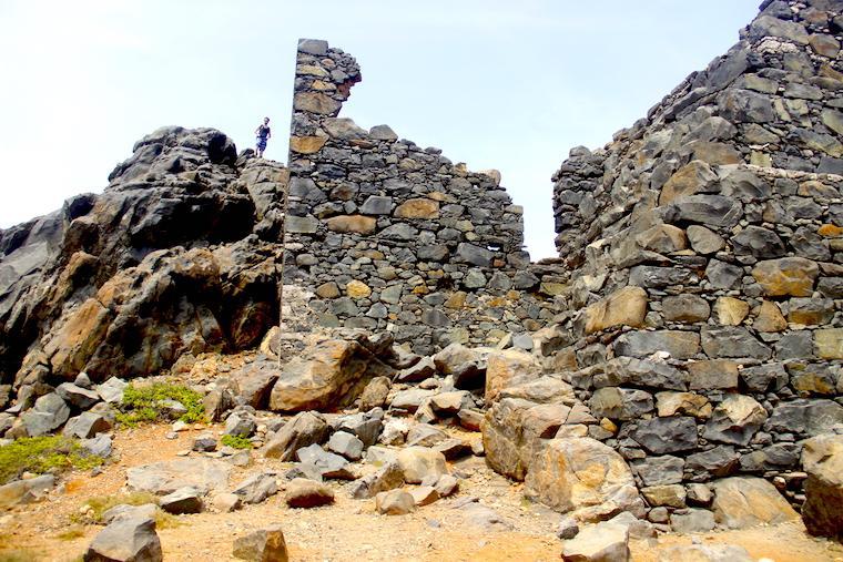Ruinas de mina de ouro em Aruba