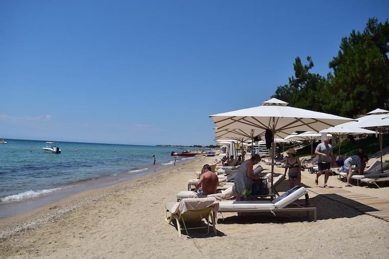 Praia em Nea Moudania Halkidiki Grecia