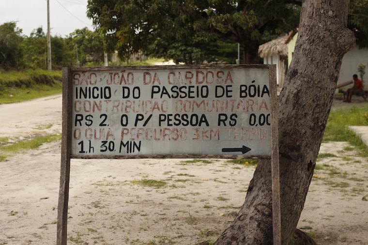 Passeio de boia no Rio Formigas, em Cardosa