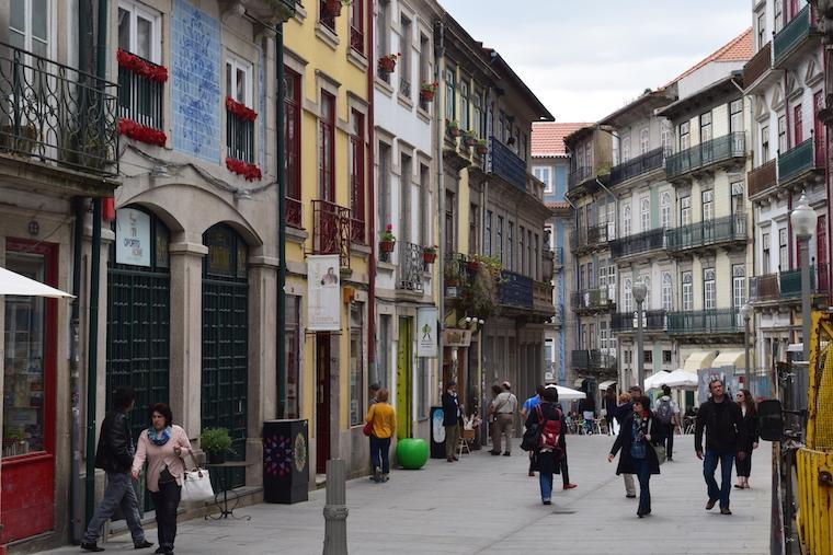 O que visitar no Porto rua das flores
