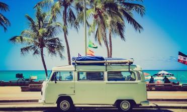 16 empresas que vão te ajudar a viajar barato (e melhor)