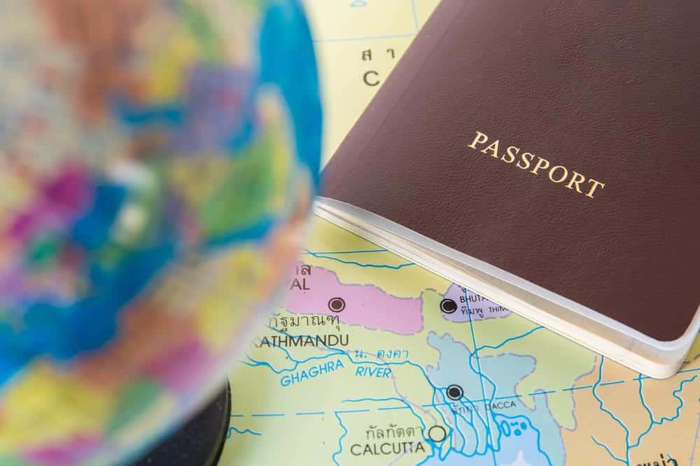 Viagem, mapa e passaporte