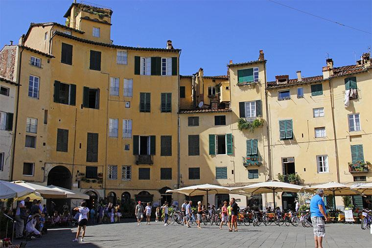 Lucca, cidade murada na Toscana