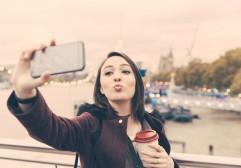 Como tirar fotos melhores viajando sozinho