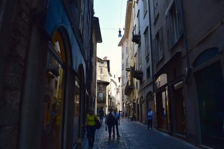 bérgamo itália rua