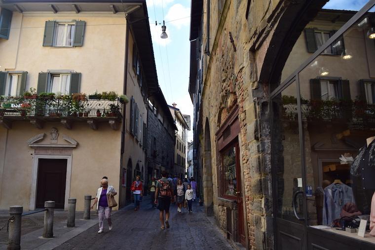 ruas de bérgamo itália