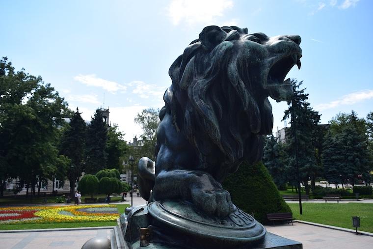 leão freedom monument ruse bulgária