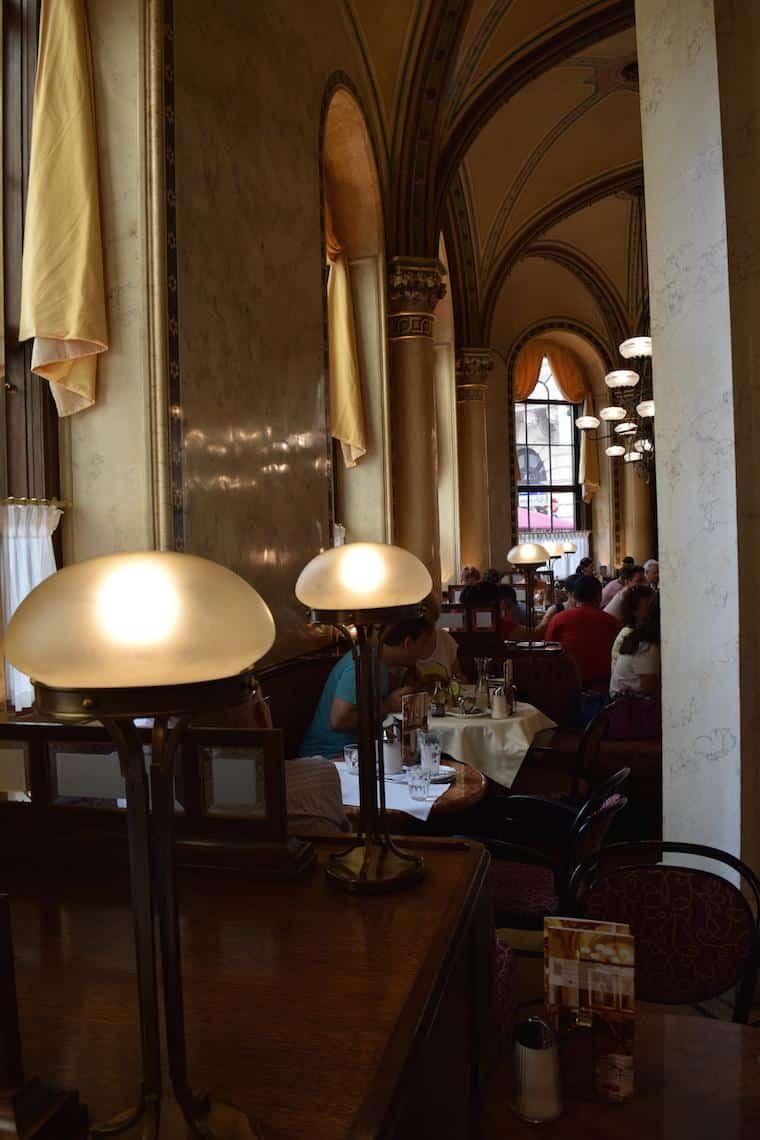 Cafe central viena austria luminarias