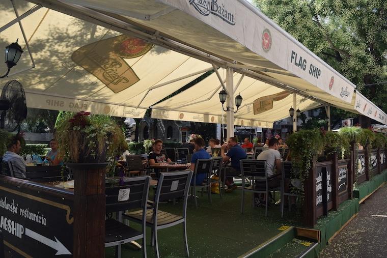 turismo na eslováquia comer em bratislava flag ship