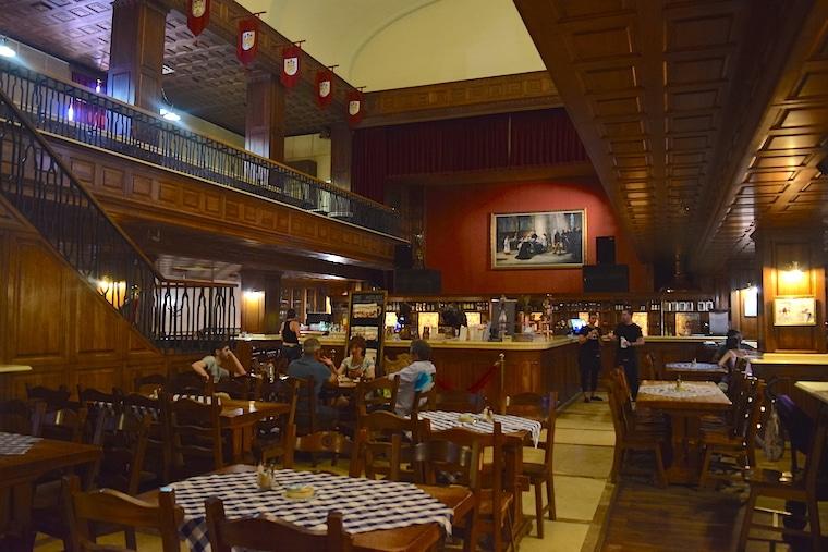 turismo na eslováquia comer em bratislava salao flagship