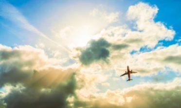 É mais barato comprar passagens aéreas de madrugada?