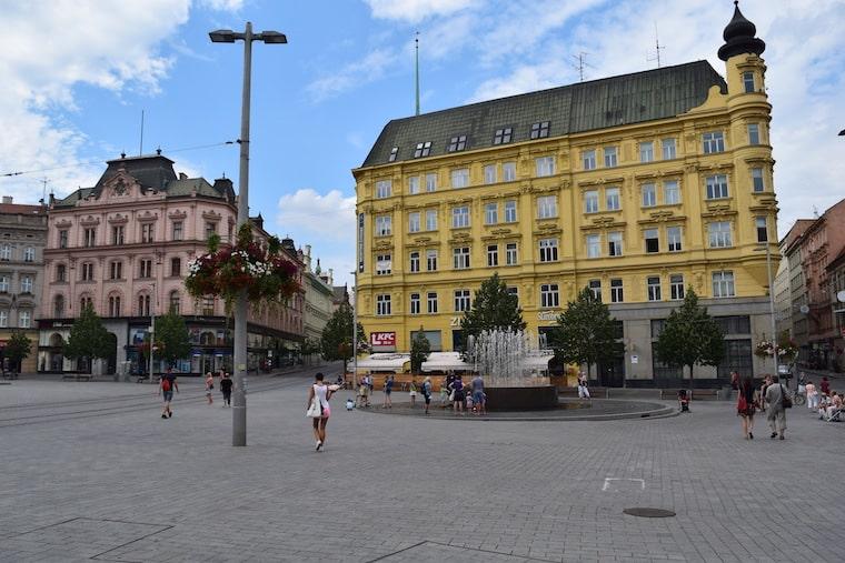 turismo em brno república tcheca praça liberdade