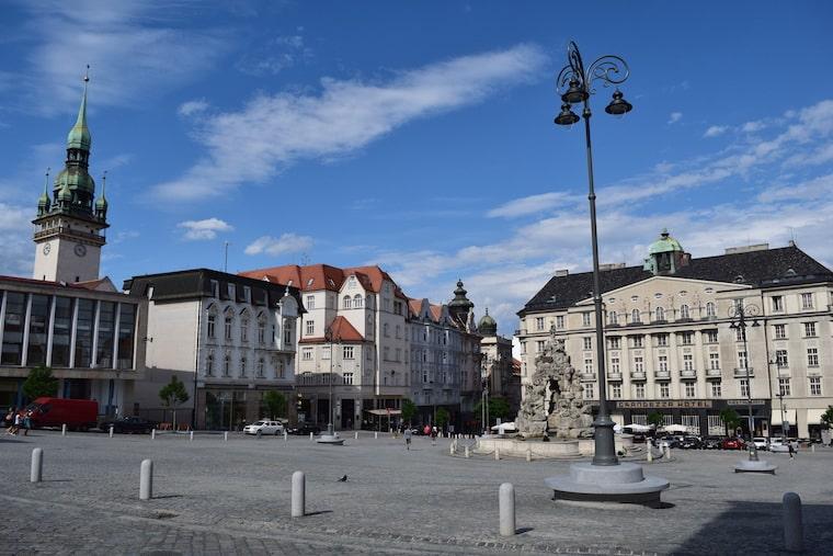 turismo em brno república tcheca praça
