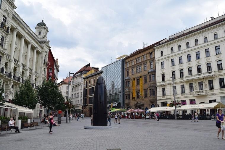 turismo em brno república tcheca relogio