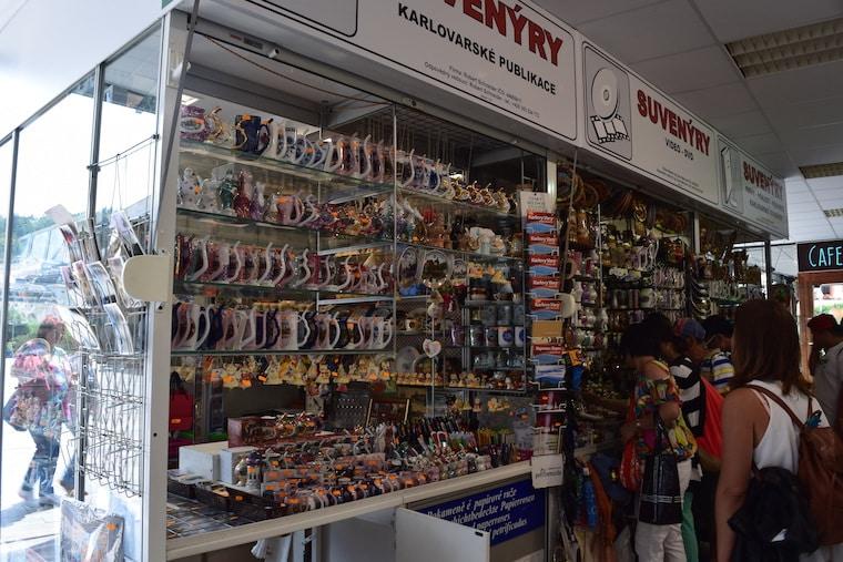 turismo karlovy vary república Tcheca loja de suvenirs