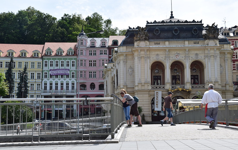 turismo karlovy vary república Tcheca teatro