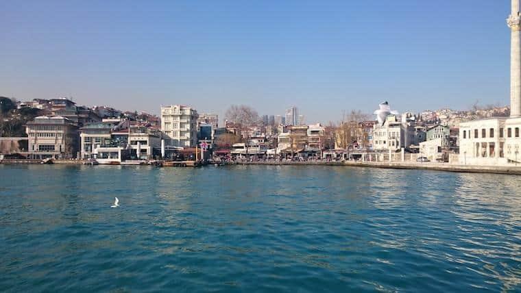 barco-bosforo-istambul
