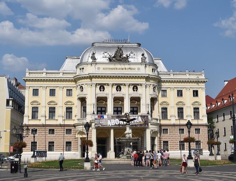 bratislava eslováquia curiosidades oprta