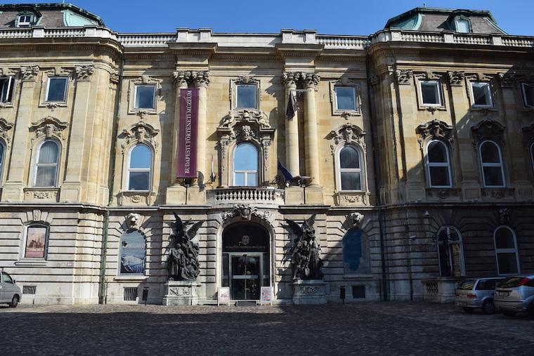 castelo de buda budapeste hungria entrada museu