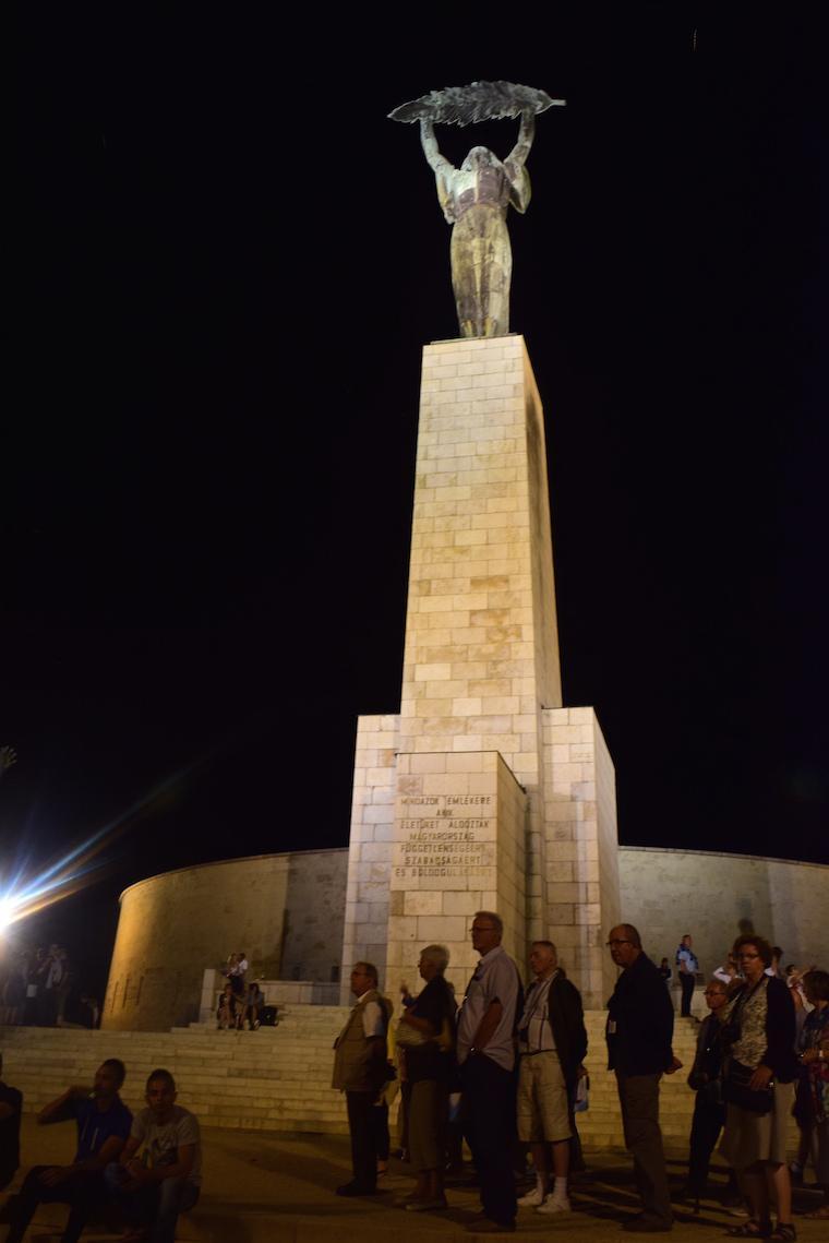 o que fazer em budapeste monumento liberdade
