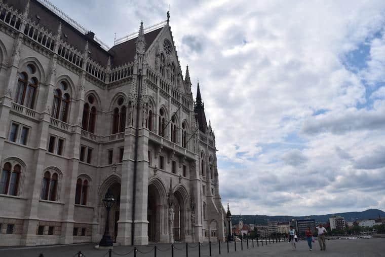 o que fazer em budapeste parlamento fora