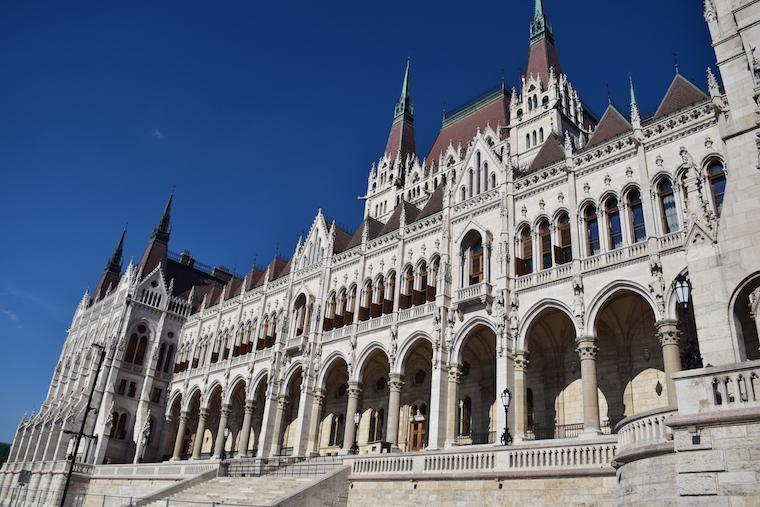 parlamento de budapeste frente