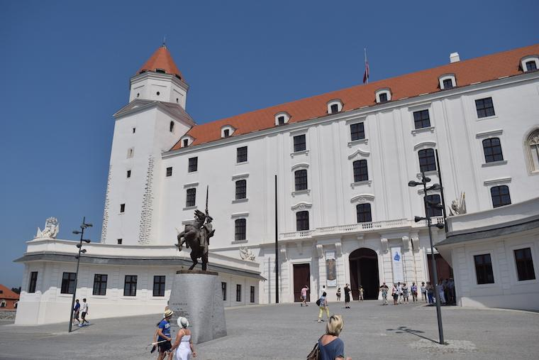 o que fazer em bratislava castelo