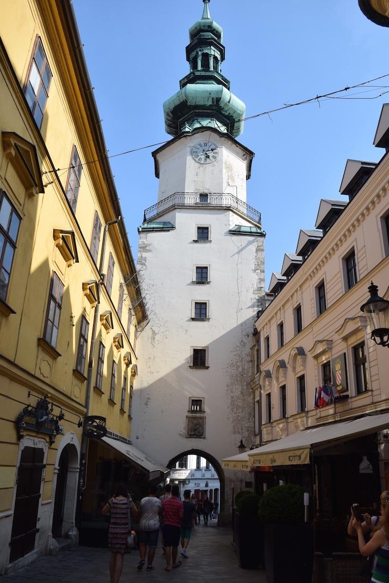 o que fazer em bratislava portão e torre miguel