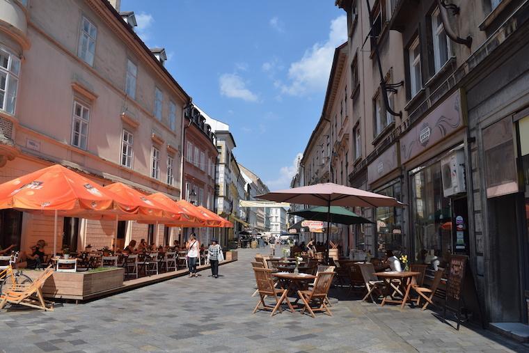 o que fazer em bratislava rua bares