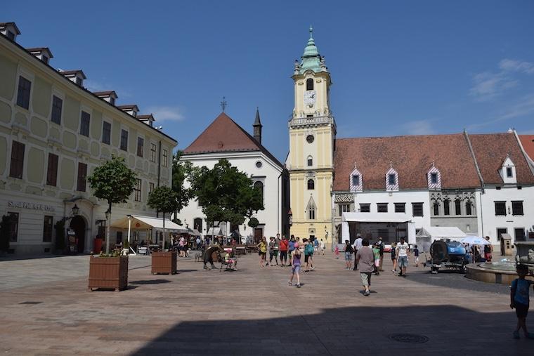 praça bratislava