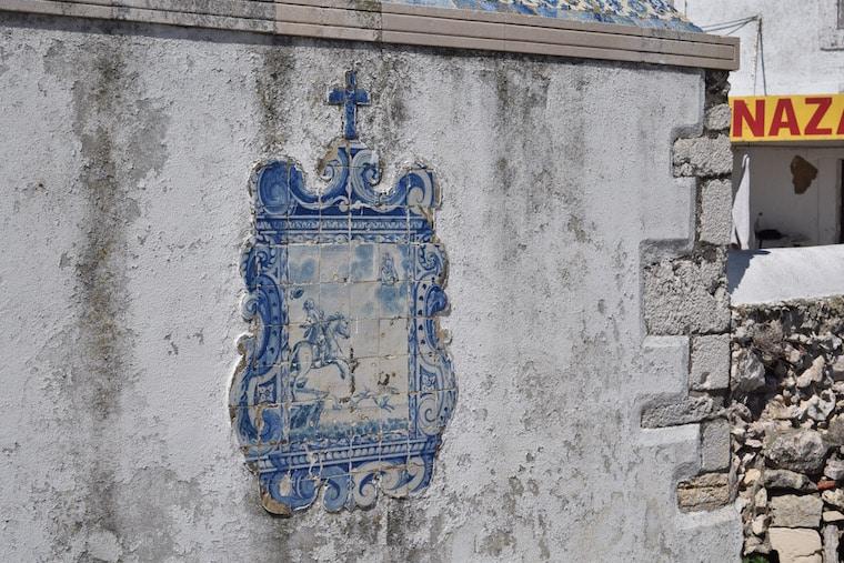 nazaré portugal azulejos