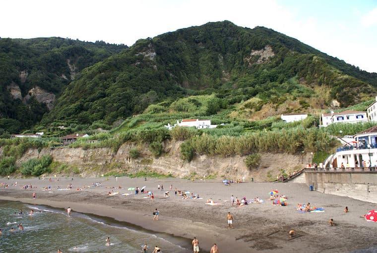 Praia do Fogo, Ribeira Quente
