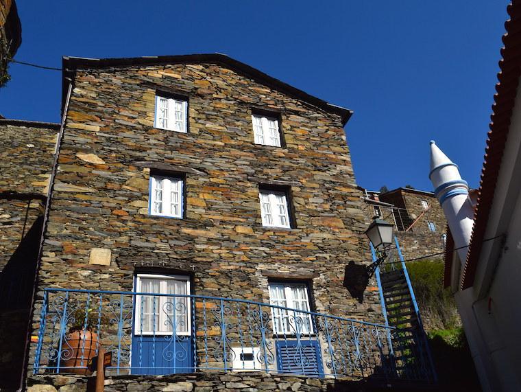 aldeia historica piodao portugal casa grande