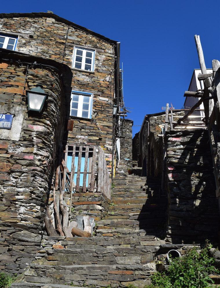 aldeia historica piodao portugal escadas