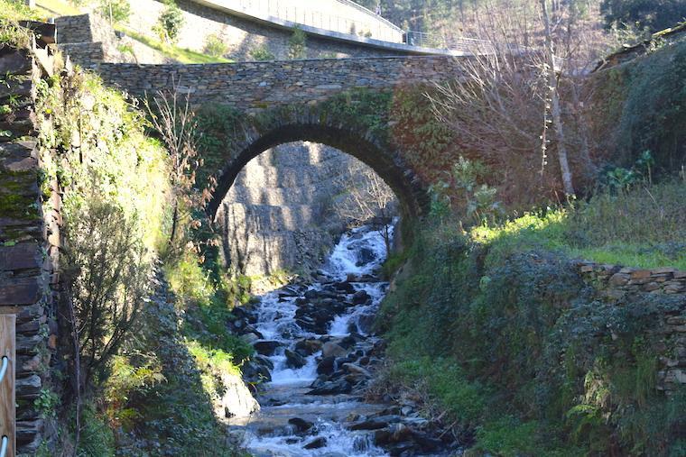 aldeia historica piodao portugal ponte
