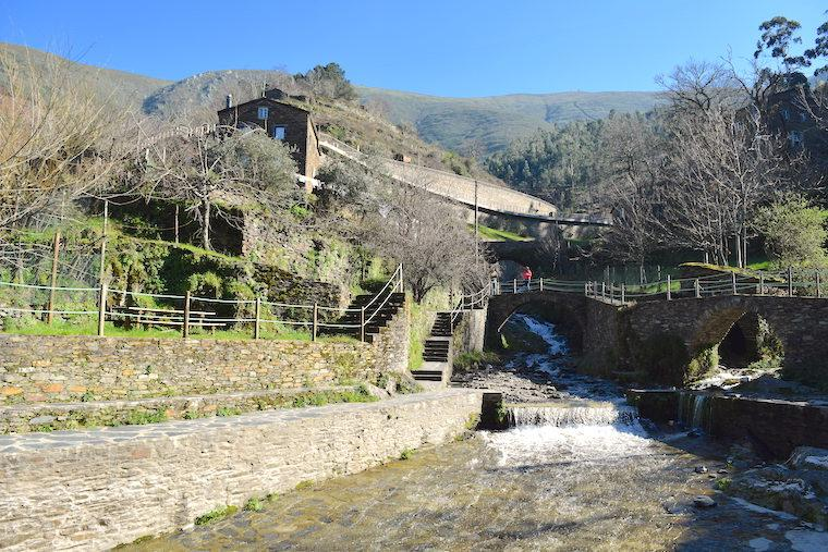 aldeia historica piodao portugal praia fluvial