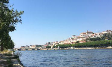 Tradições da Universidade de Coimbra: as tunas acadêmicas e as Mondeguinas