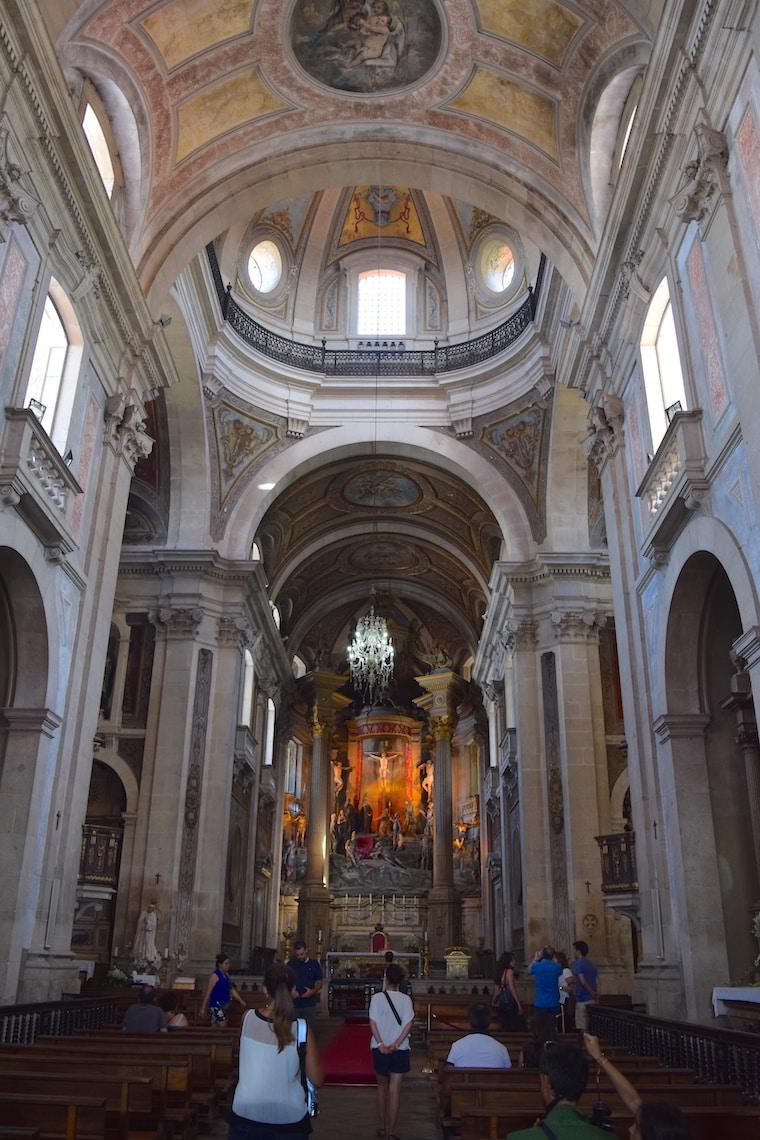 santuario-do-bom-jesus-do-monte-braga-dentro-igreja