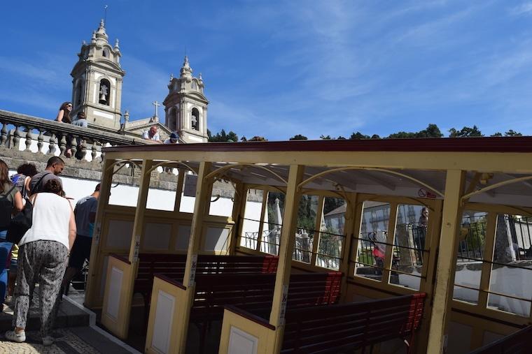 santuario-do-bom-jesus-do-monte-braga-funicular-e-igreja