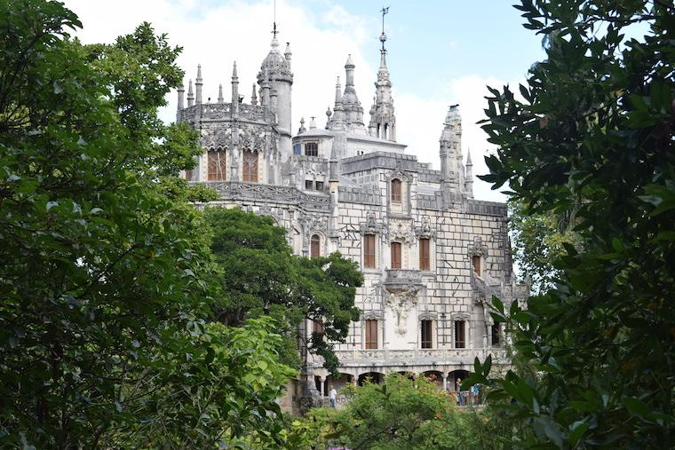 quinta-da-regaleira-sintra-portugal-palacio