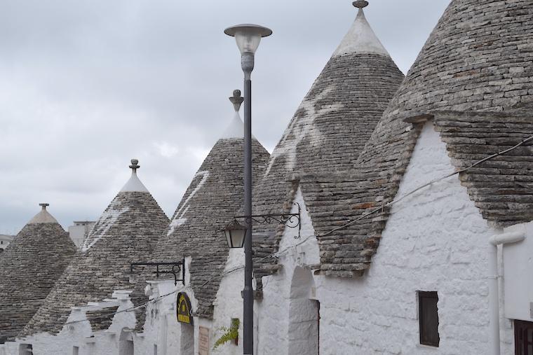 Alberobello casas Trulli tetos e simbolos