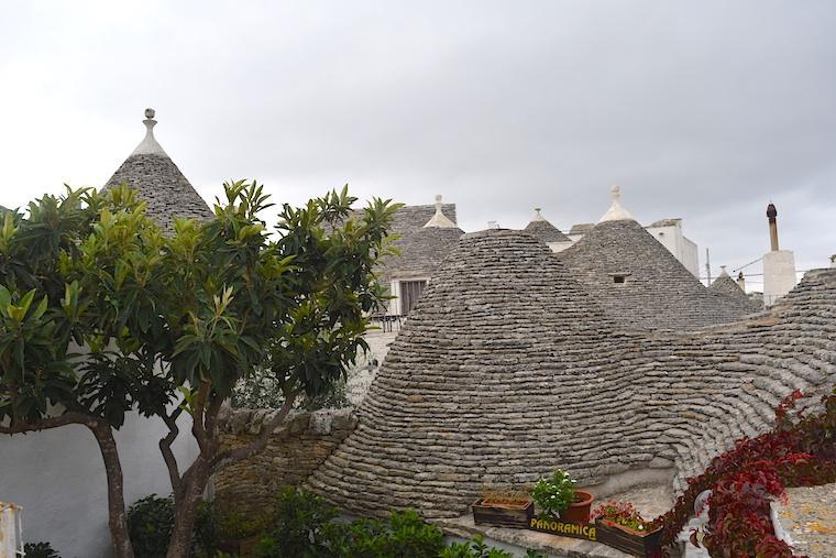 Alberobello e as casas Trulli telhado