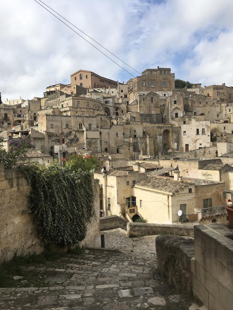 matera italia sassi escadas