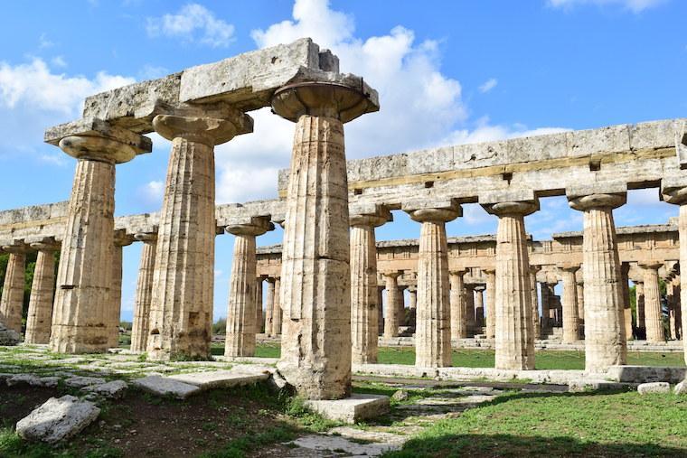 paestum italia templo hera basilica