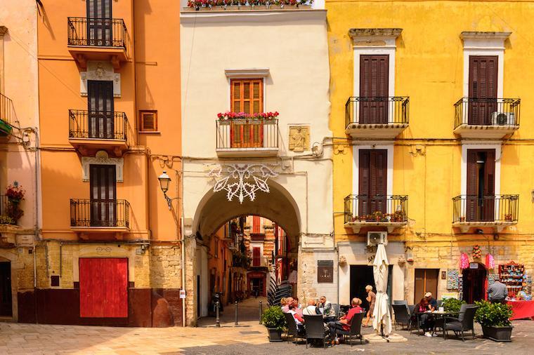 bari italia entrada