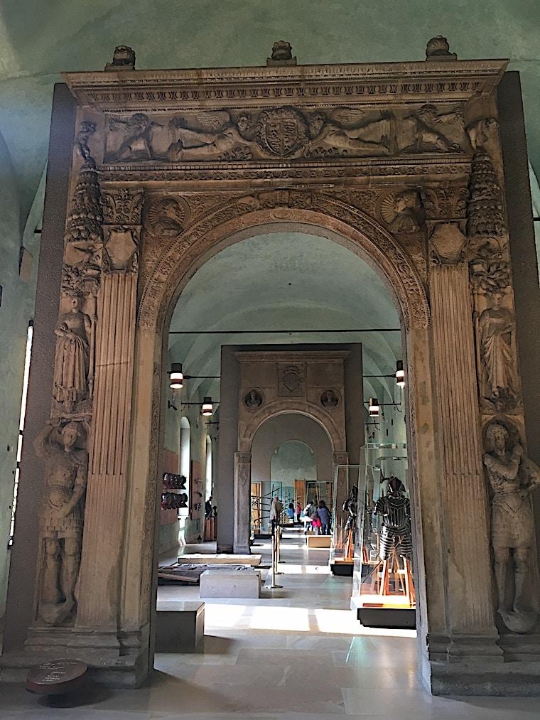 Castelo Sforzesco em Milão hall armaduras
