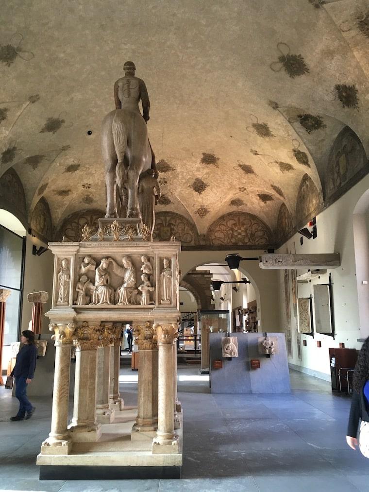 Castelo Sforzesco em Milão museu de arte antiga